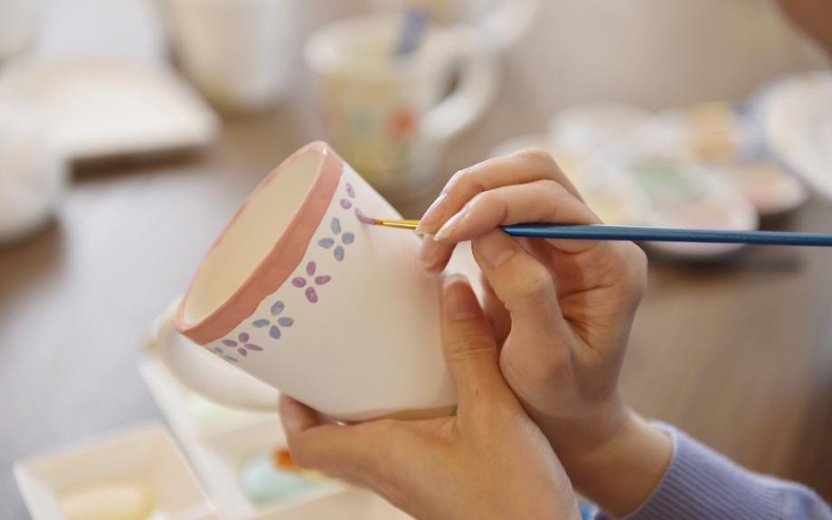 箱根で最先端の絵付けができる!「ポタリーペインティング」体験施設オープン