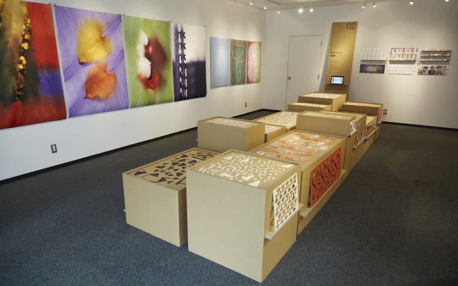 3人のマニアが作る、紙とインクジェットのアート展示会が開催中