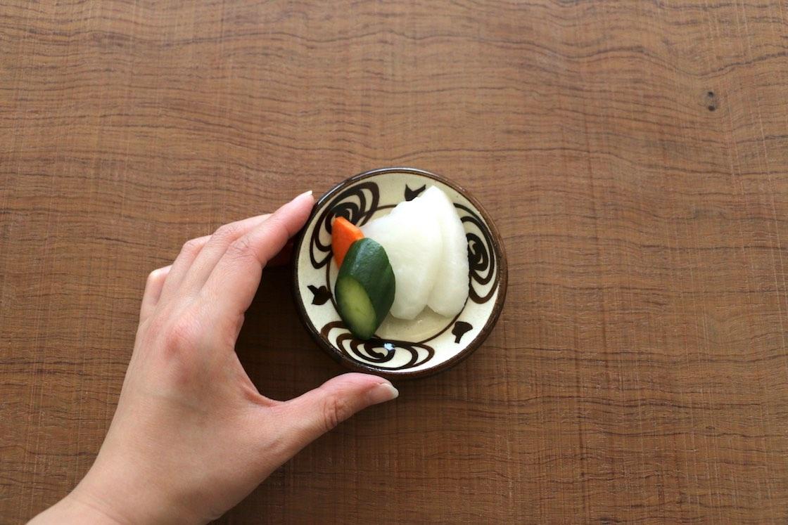 瀬戸本業窯の豆皿「馬の目皿」