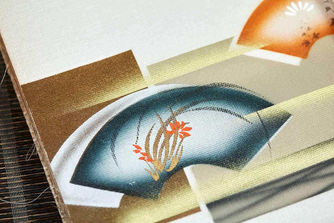 よく見ると、生地の「目」が見えて織物だとわかります