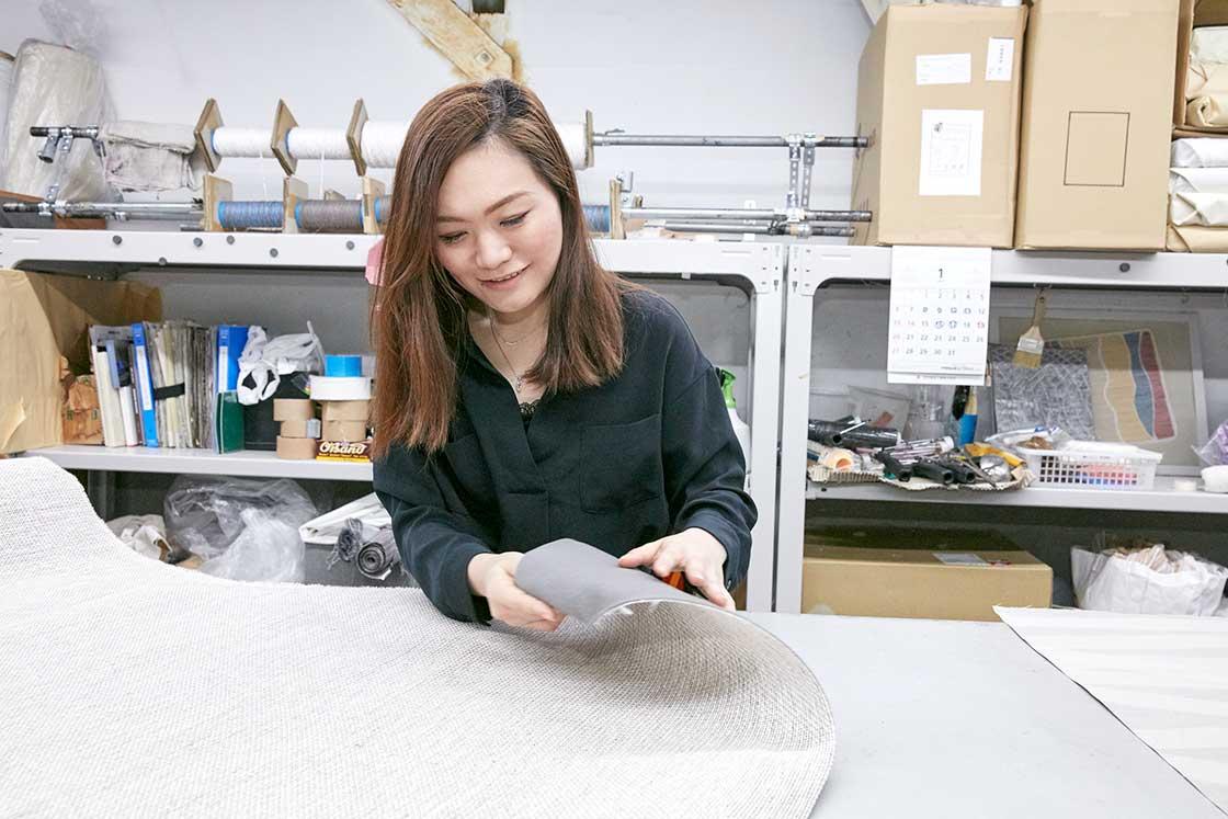 恵理香さんも自ら生地開発に取り組みます