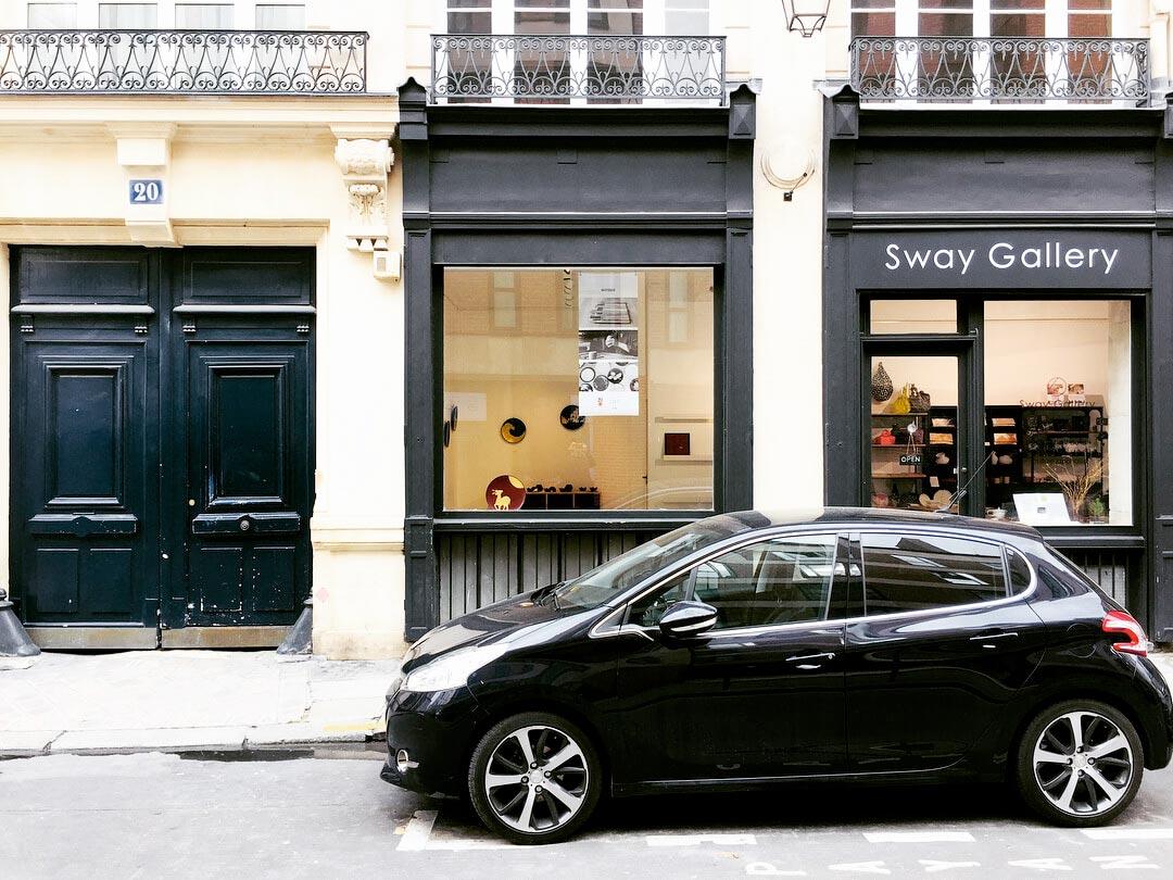 2018年4月には、パリのギャラリーで初めての個展を開催。