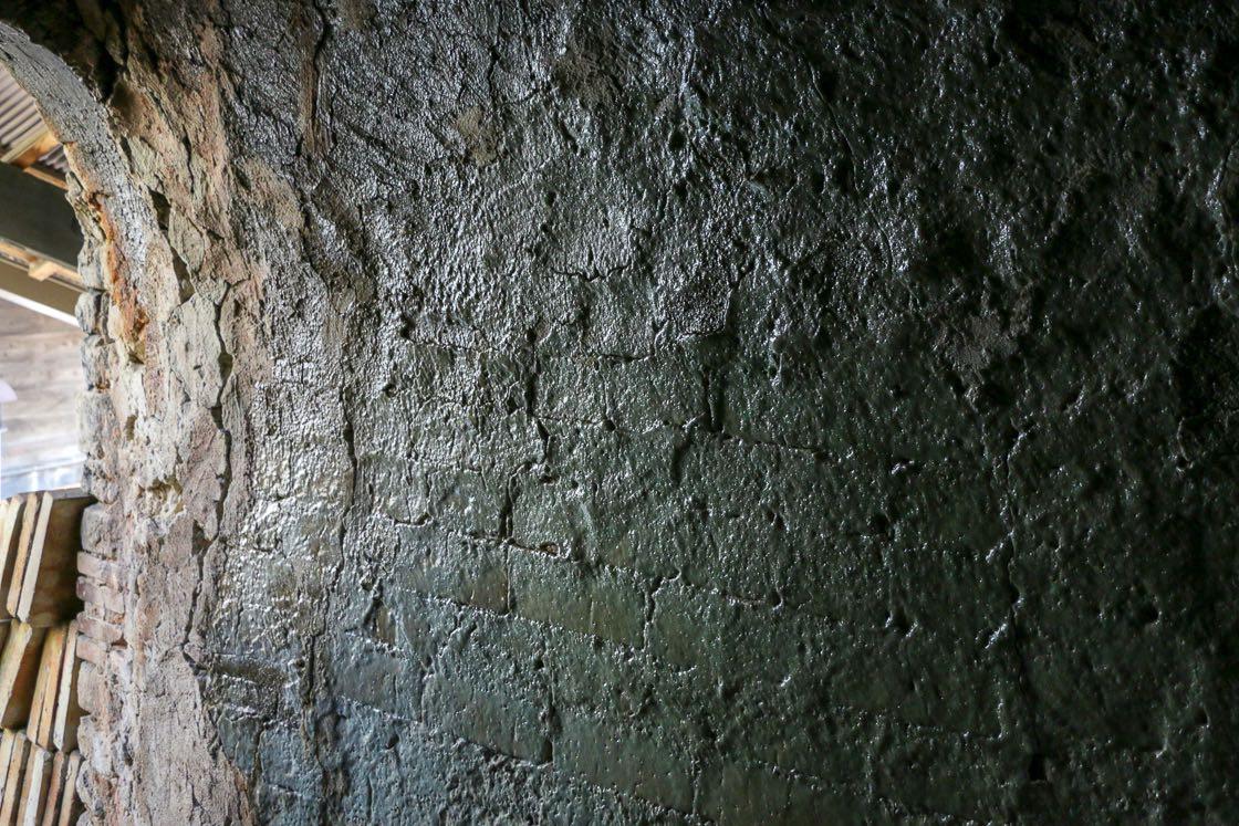 ツルツルの内壁