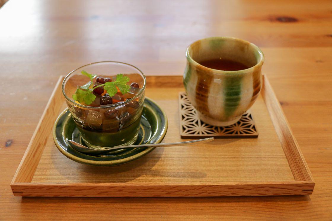 「わ紅茶」やみつ豆のベースに使われている緑茶は、どちらも徳川家康を生んだ愛知県岡崎市の無農薬のお茶を使っているそう