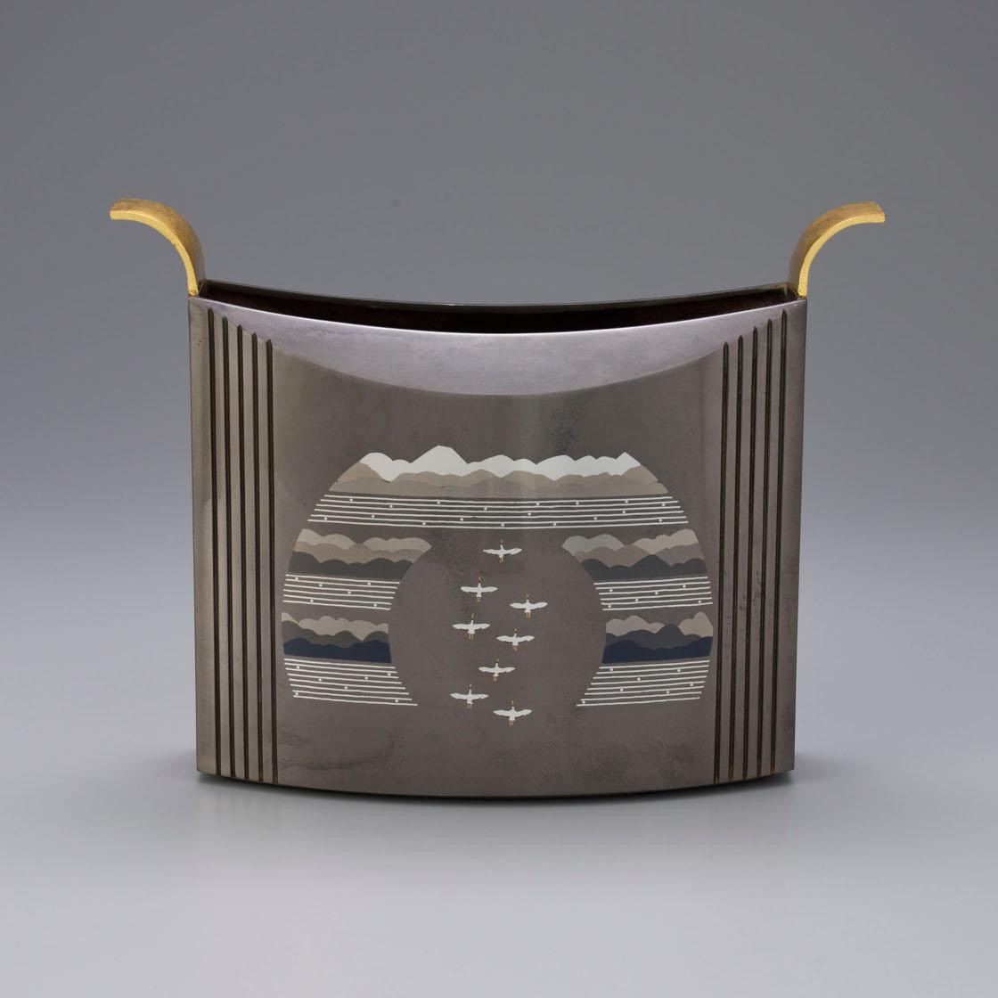 中川 衛 象嵌朧銀花器「帰来」 12×31.5×高さ25㎝