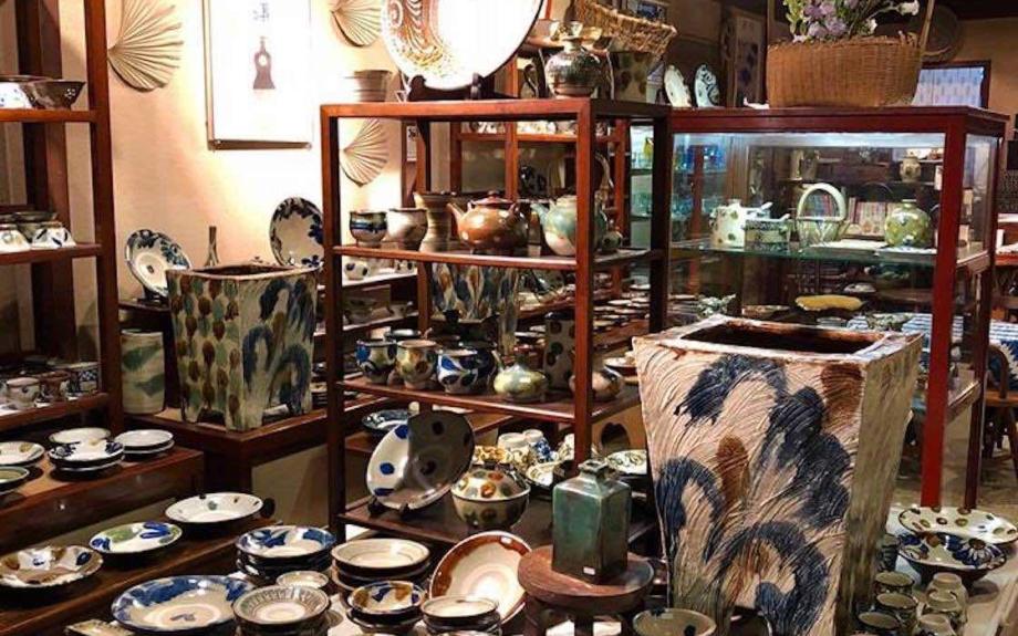 鎌倉・もやい工藝がやちむん一色に染まる人気の企画展「沖縄 やちむん展」が今年も開催