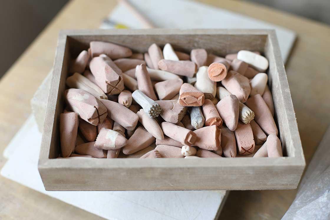 制作した器に模様を刻む時に用いる陶器のスタンプ