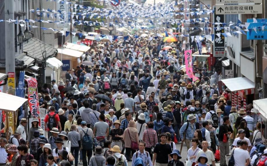 国内最大級のやきもの市、春の「有田陶器市」開催!連休に巡りたい風情ある陶磁器の里