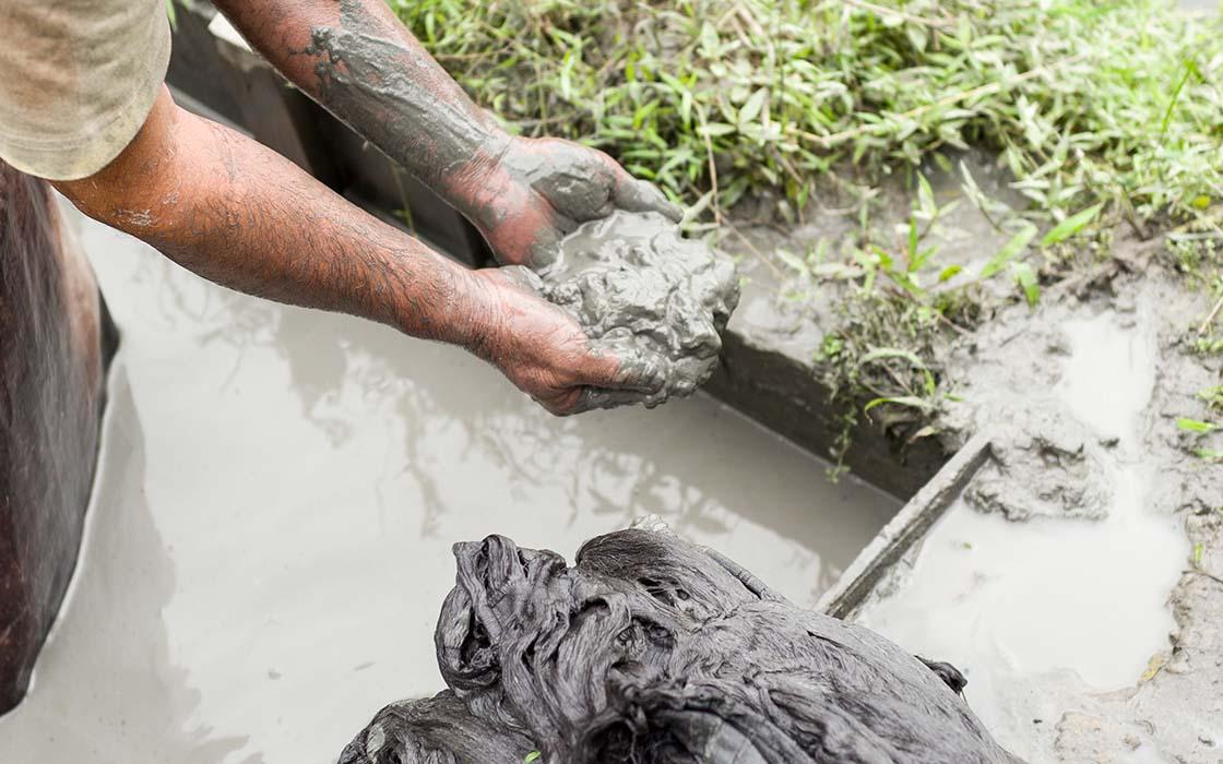 奄美の泥は、とても粒子が細かくなめらか