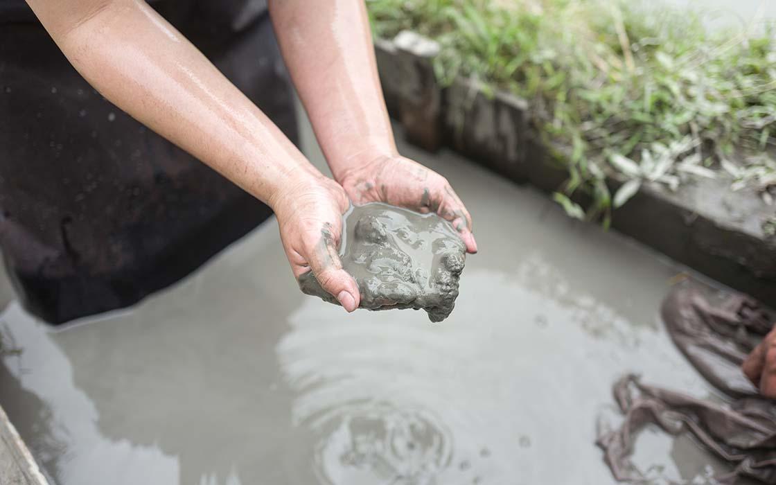 クリーミーでとても粒子が細かい奄美の泥