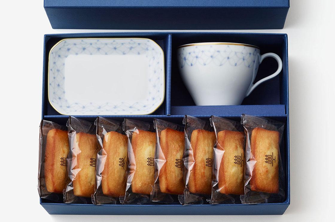 日本発の洋菓子ブランド「アンリ・シャルパンティエ」とのコラボレーションモデル