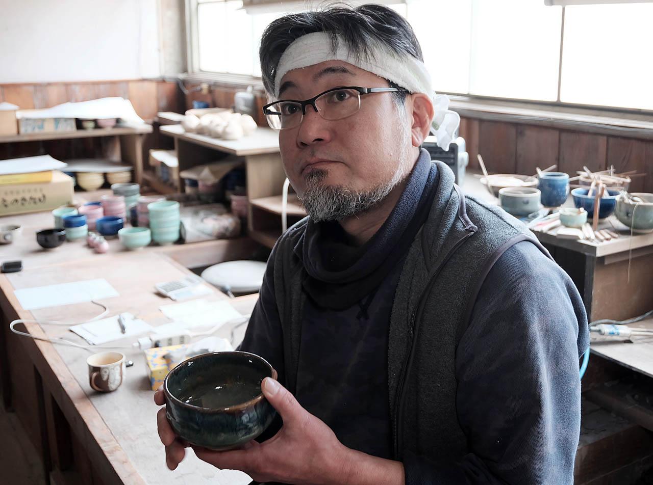 五条坂の窯元の家に生まれ、跡を継いだ林淳司さん