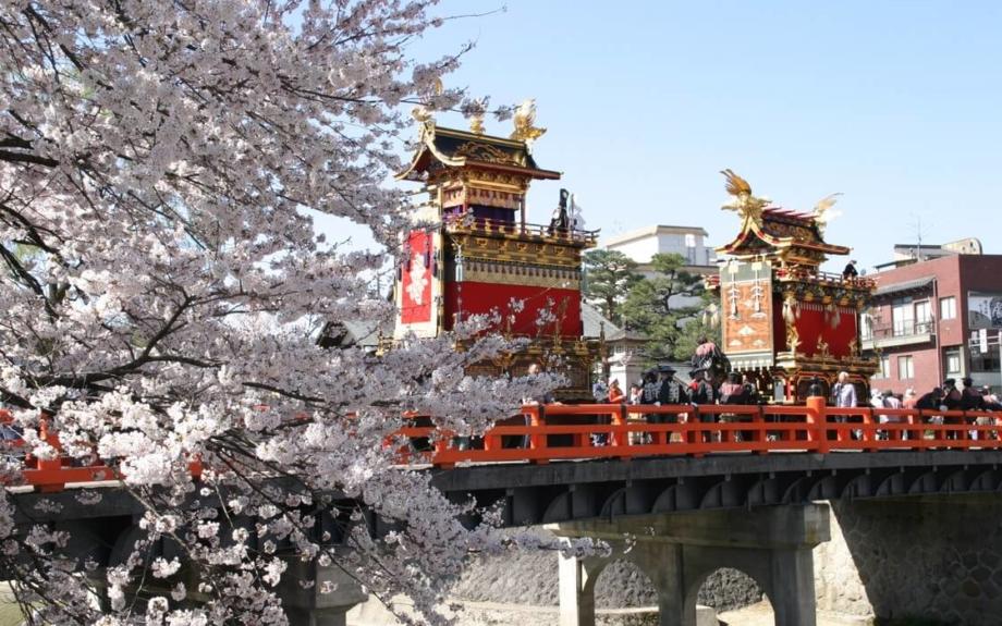 今年こそは訪れたい!「日本三大美祭」の1つ「春の高山祭」が今週末に開催