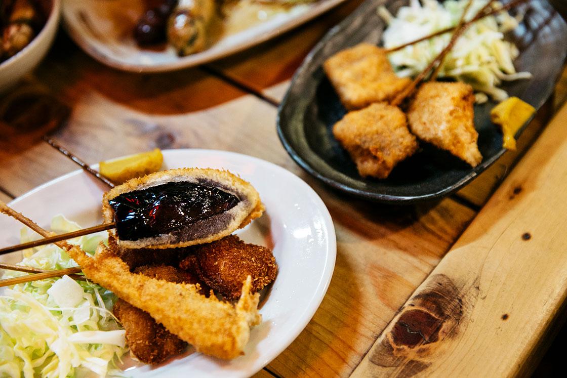 高知市の老舗居酒屋・葉牡丹の鯨の串