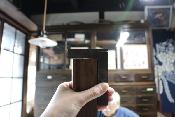 木材の角度を測る