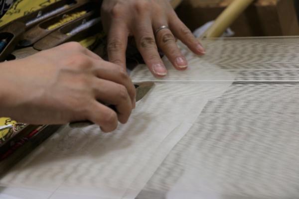 西陣織会館の織物実演