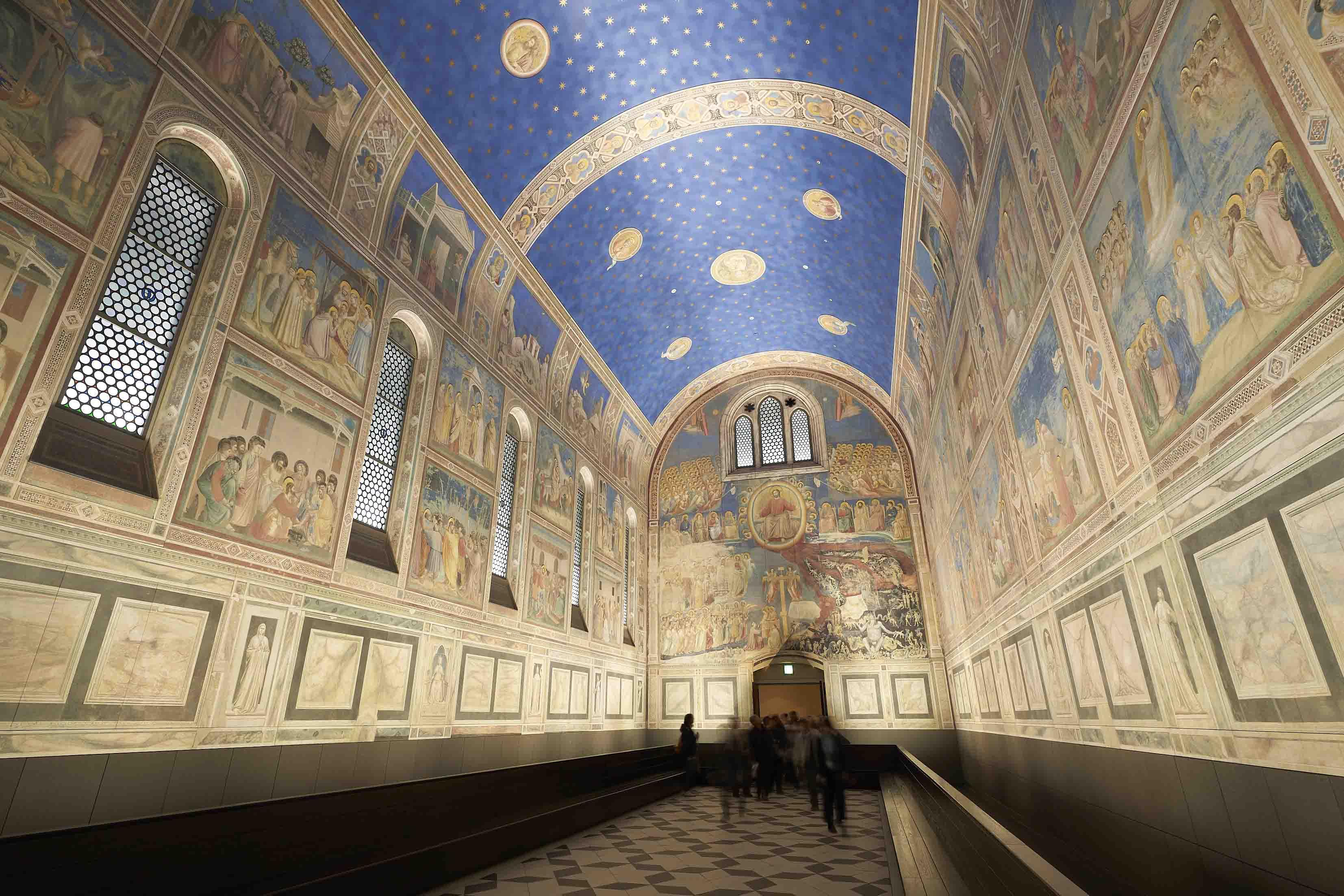 イタリアにあるジョット作「スクロヴェーニ礼拝堂」の壁画を陶板で再現