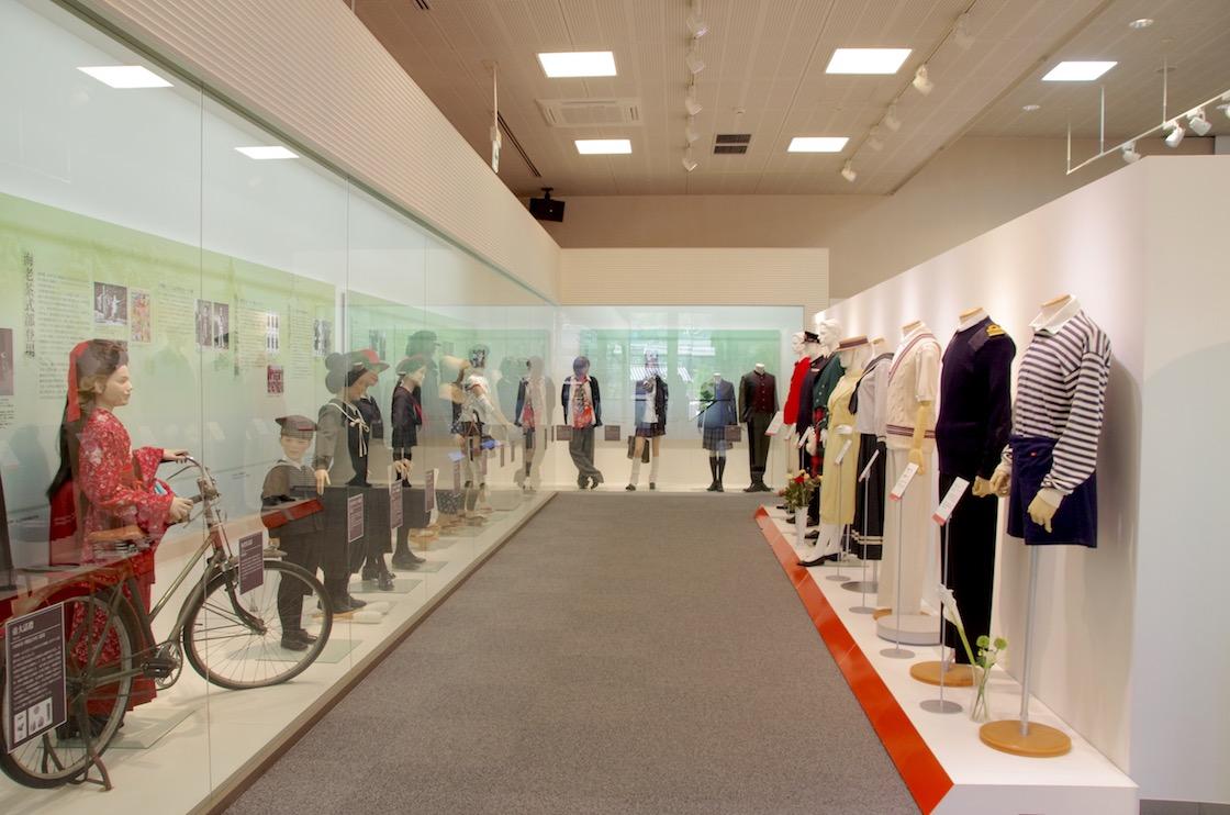 1996年(平成8年)のトンボ創業120周年記念事業として設立された「ユニフォームミュージアム」