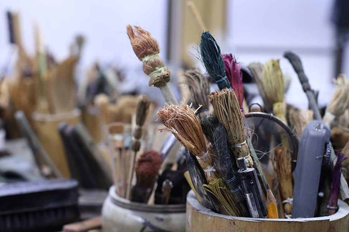 余った竹皮で作られた筆。職人の知恵が生きている