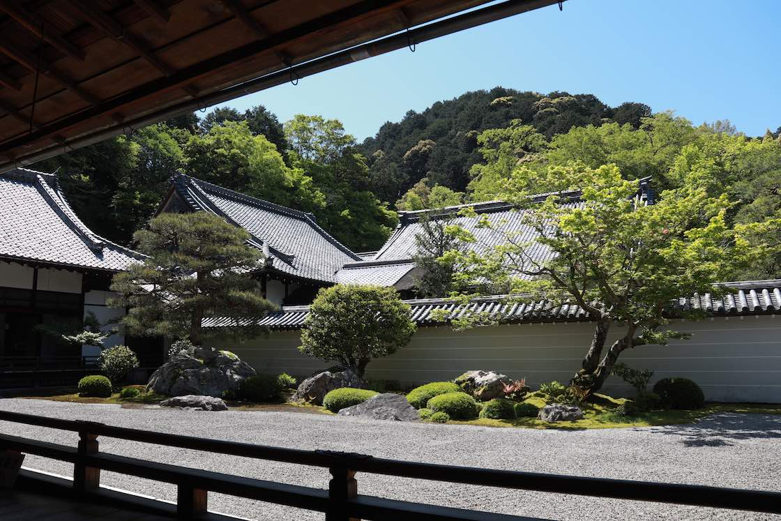 植彌加藤造園が御用庭師を務める、南禅寺の方丈庭園