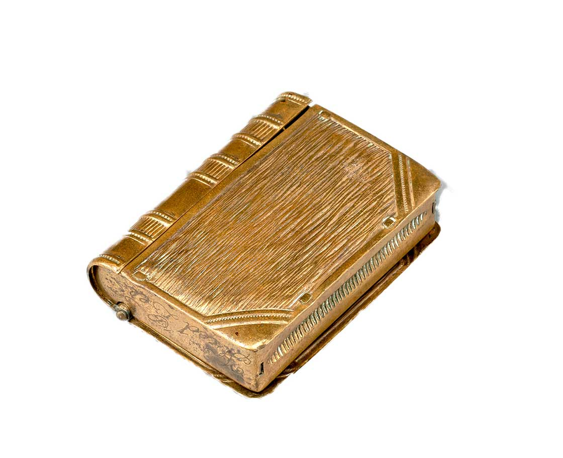 ブック型銅製マッチケース イギリス(1902年)