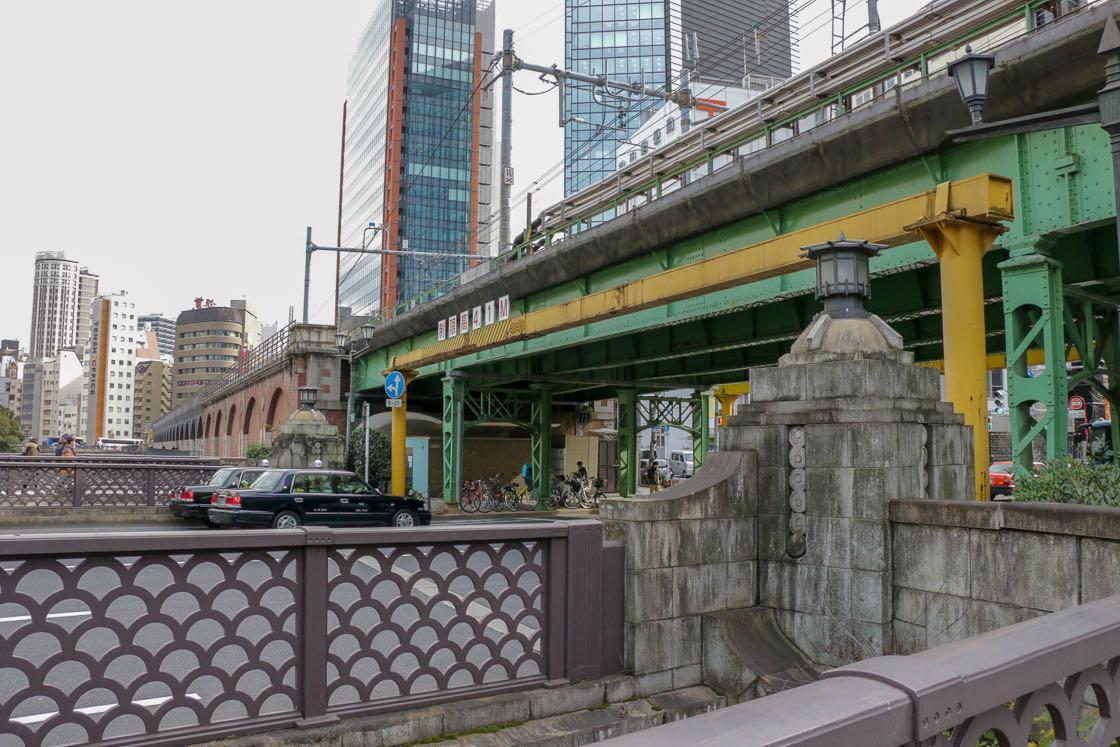 外堀通りをまたぐ昌平橋架道橋
