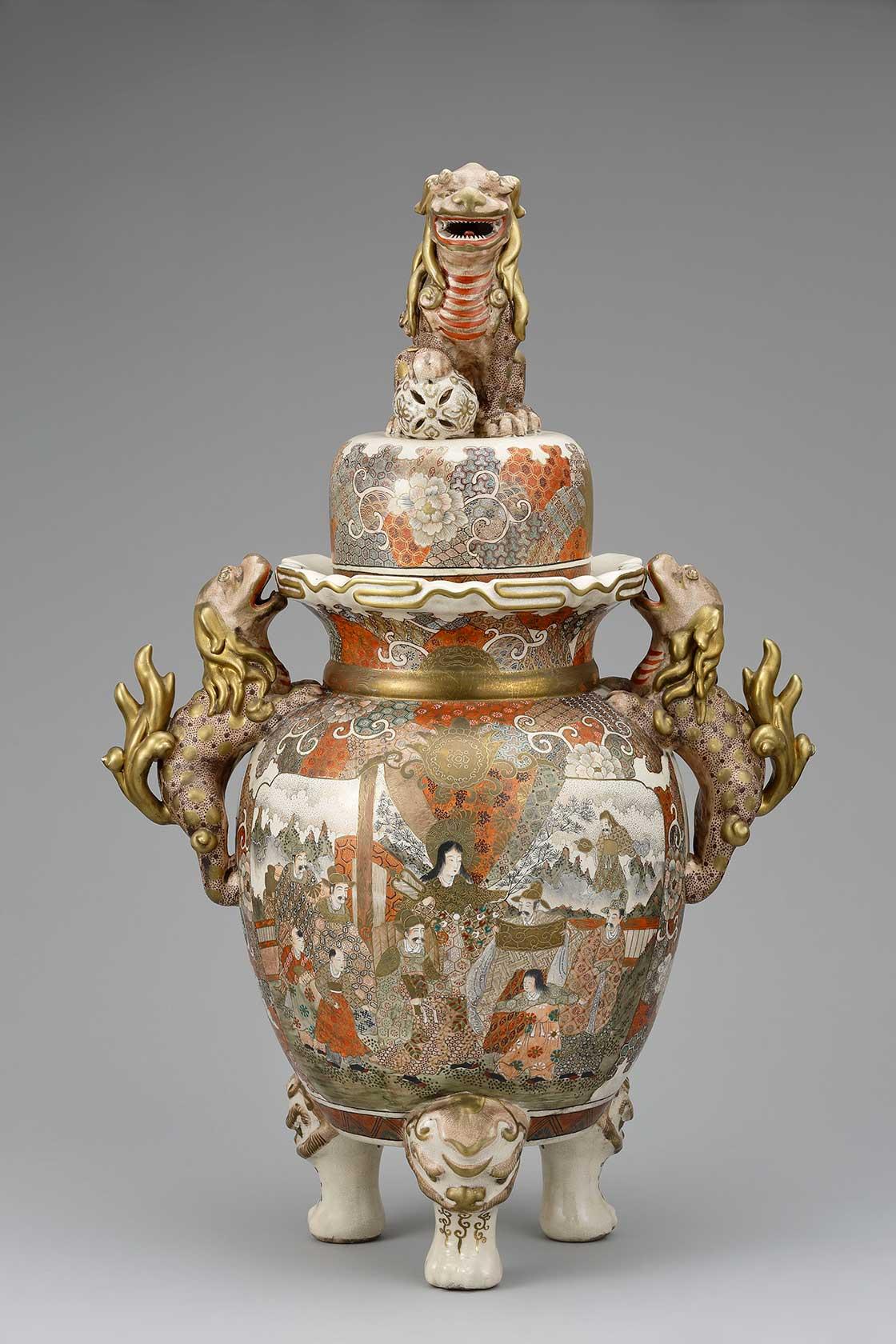 上絵金彩人物図獅子鈕飾壺(京薩摩)