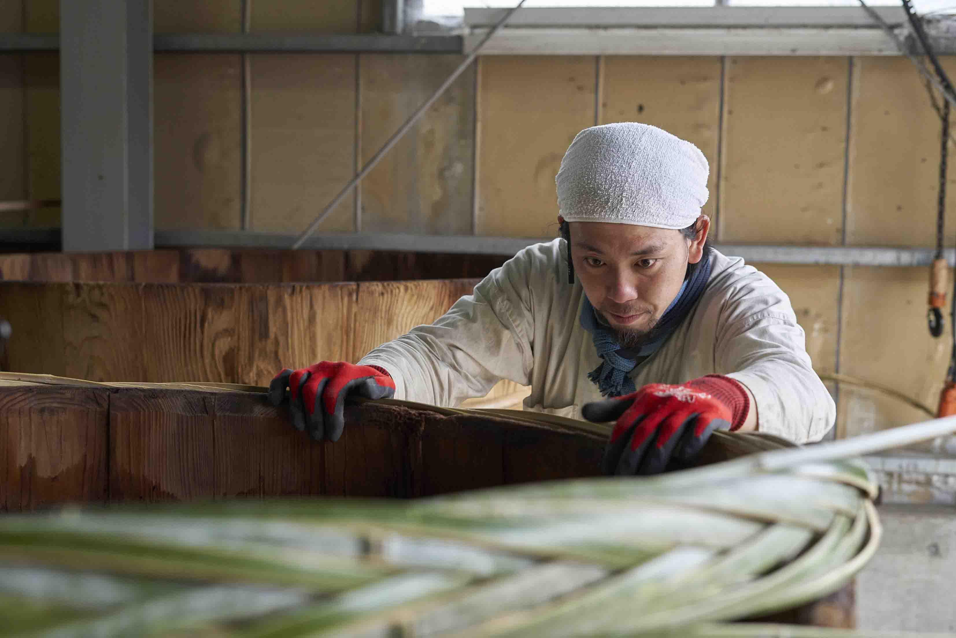 木樽、木桶職人の原田 啓司さん