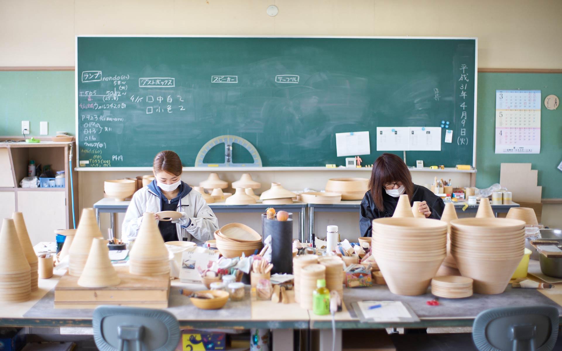 日本唯一の木工技術!職人ワザを間近で見学できる「BUNACO(ブナコ)西目屋工場」 | 中川政七商店の読みもの