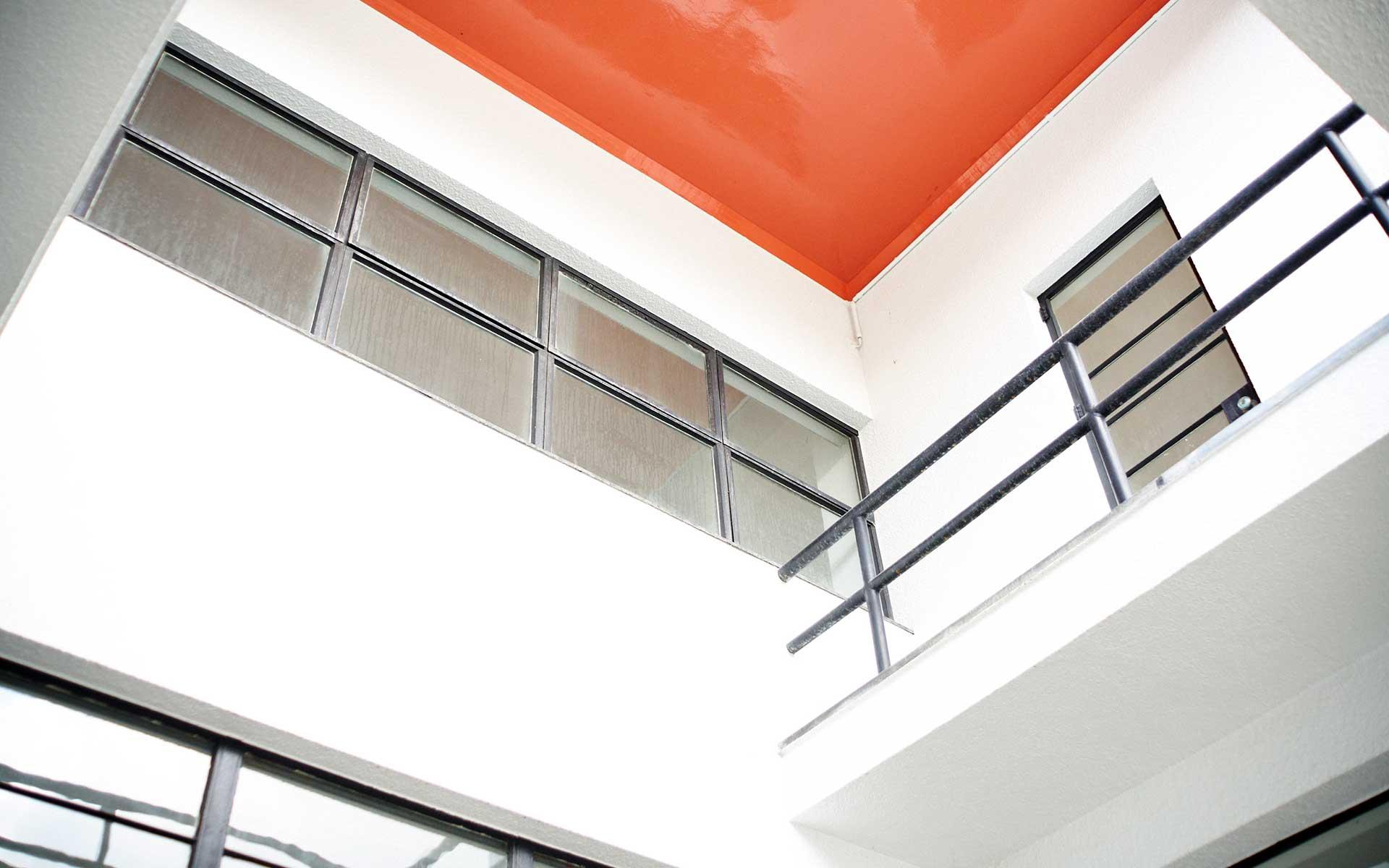 コルビュジエが教え、タウトが驚いた必見の近代建築が青森にある | 中川政七商店の読みもの