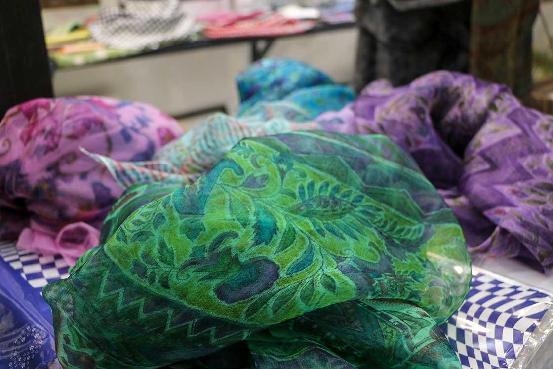江戸更紗のスカーフ