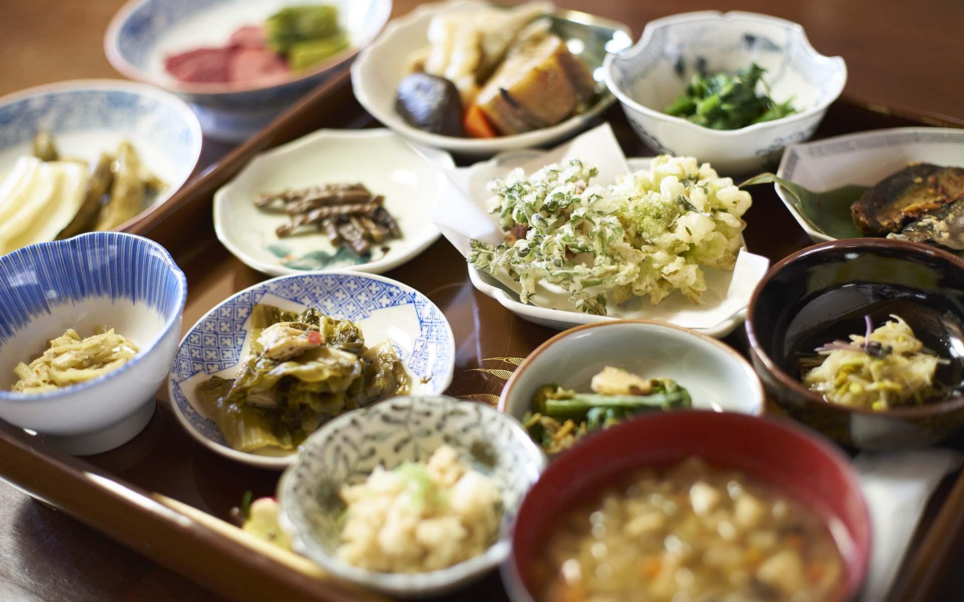 津軽の伝承料理をフルコースで味わえる。「津軽あかつきの会」が仕掛ける、楽しい「食の伝え方」