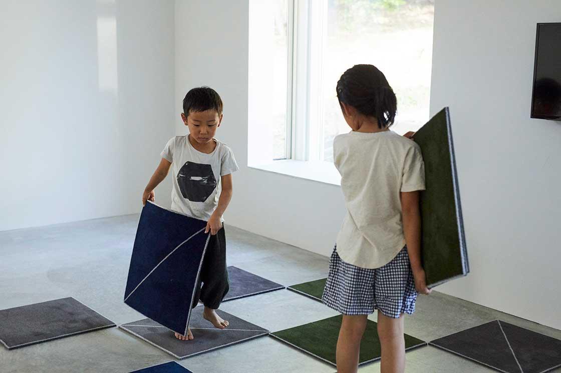 堀田カーペットの新作、DIYカーペット「WOOLTILE」