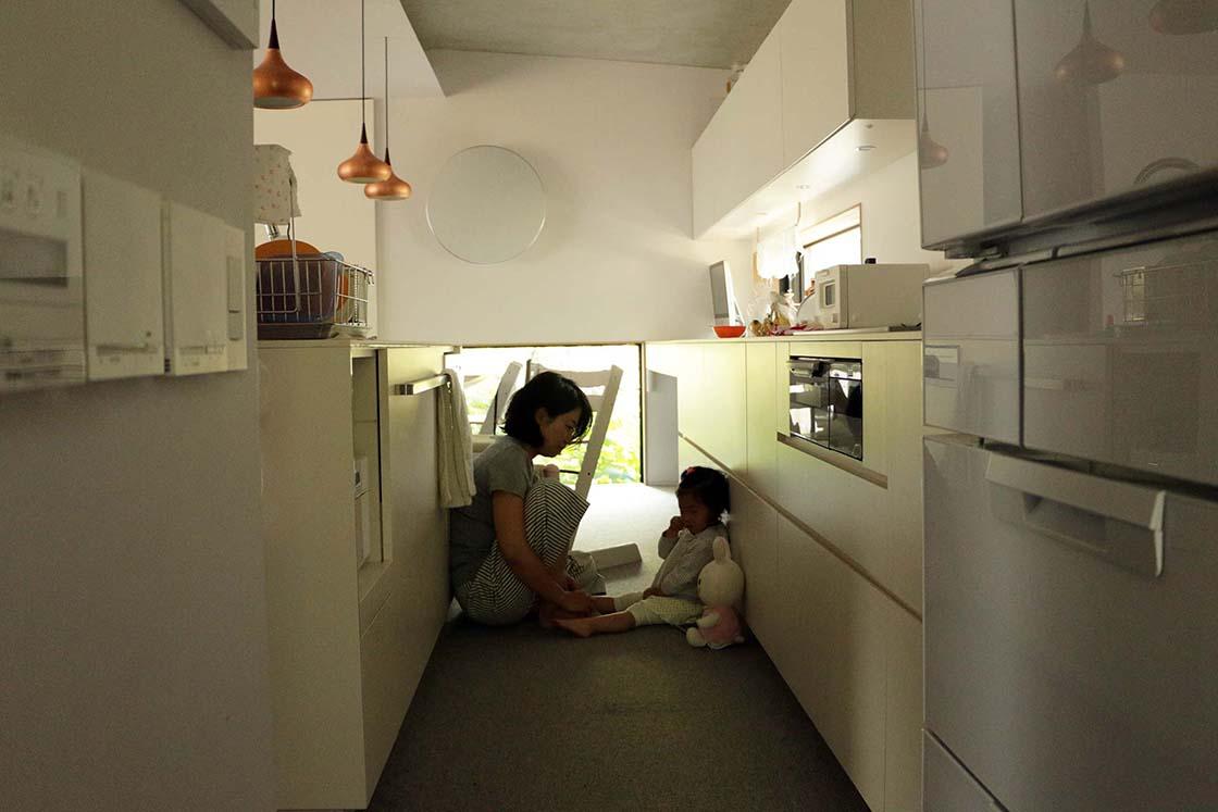 堀田さんのご自宅。お風呂とトイレ以外、すべてカーペット敷き