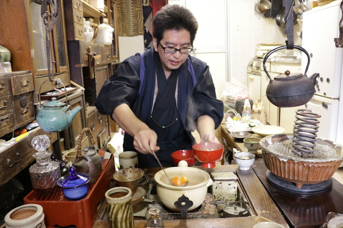 この日も料理場にいた経験を生かしてお手製のご飯をご馳走してくれた