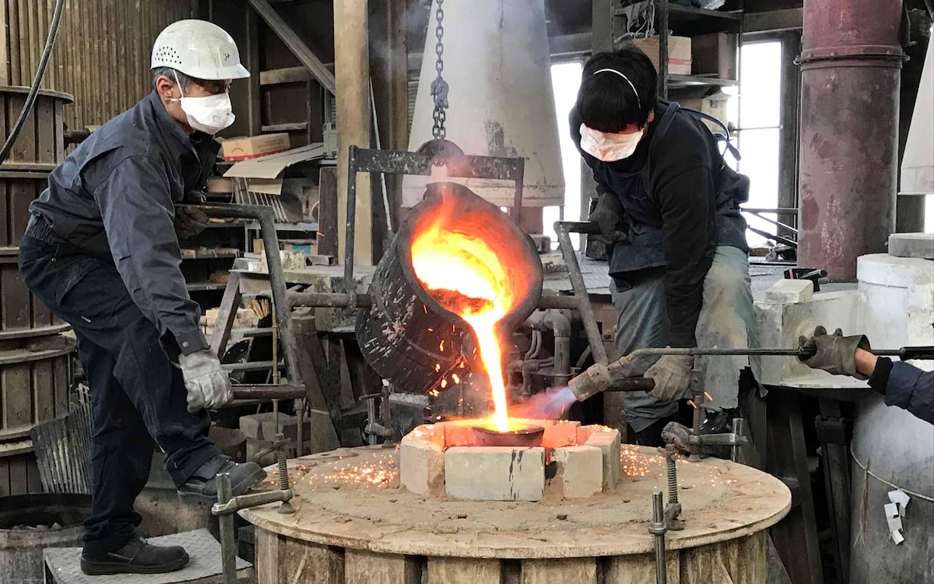 九輪の鋳造風景(画像提供:高岡市)