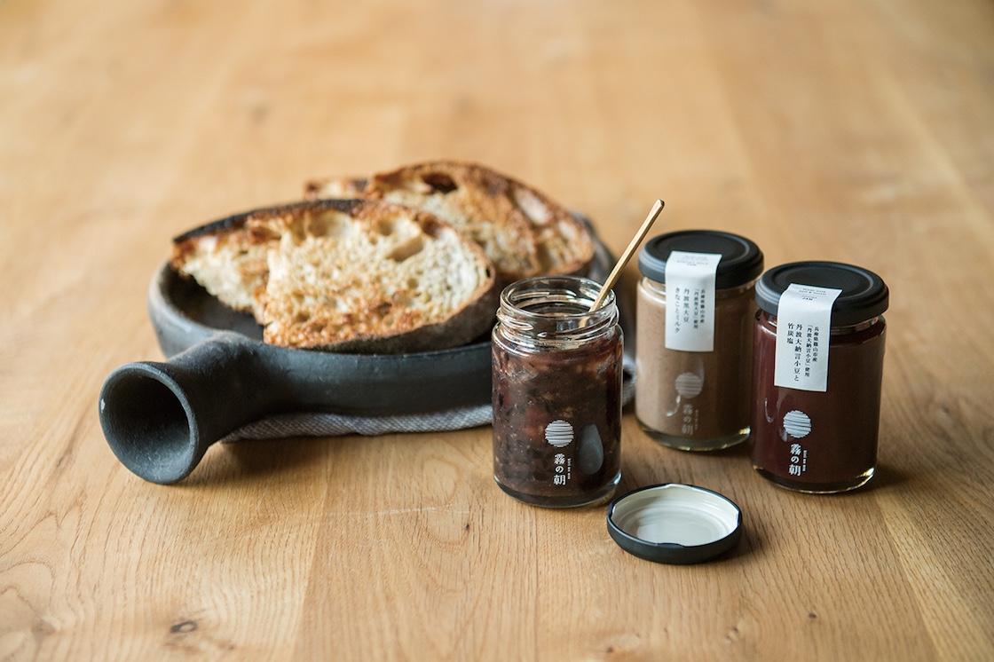 黒豆や丹波大納言小豆を使用したジャム。もともと『おせちの食材』というイメージがあった黒豆や丹波大納言小豆を、もっと日常の中で使えるようにと考案されました