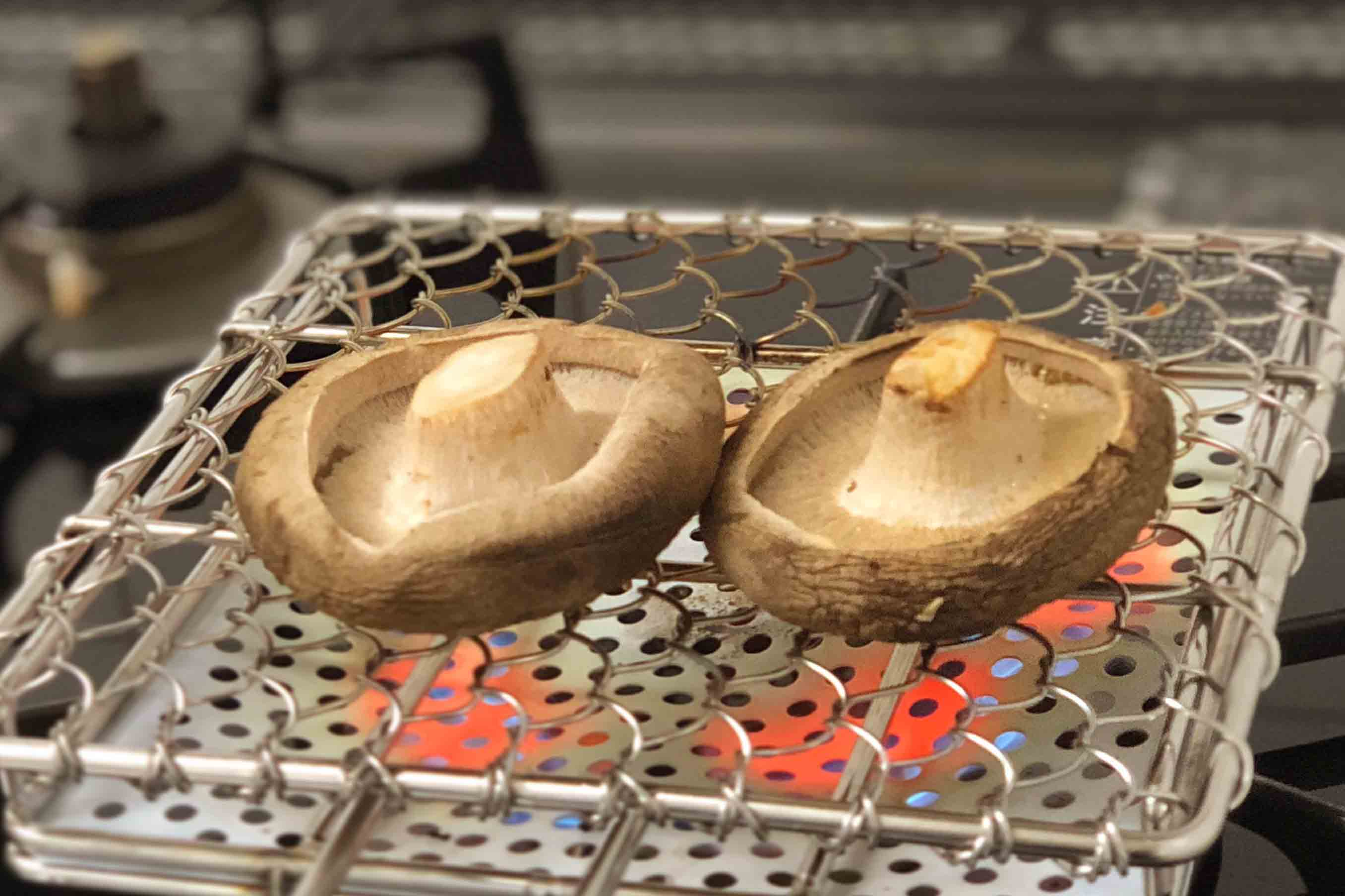 炙った椎茸は、表面が香ばしくて、中はジューシー。美味でした!