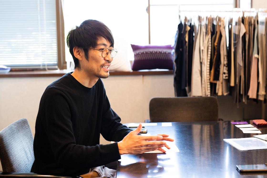 デザインを担当する、トリプル・オゥ事業部マネージャーの片倉 洋一さん