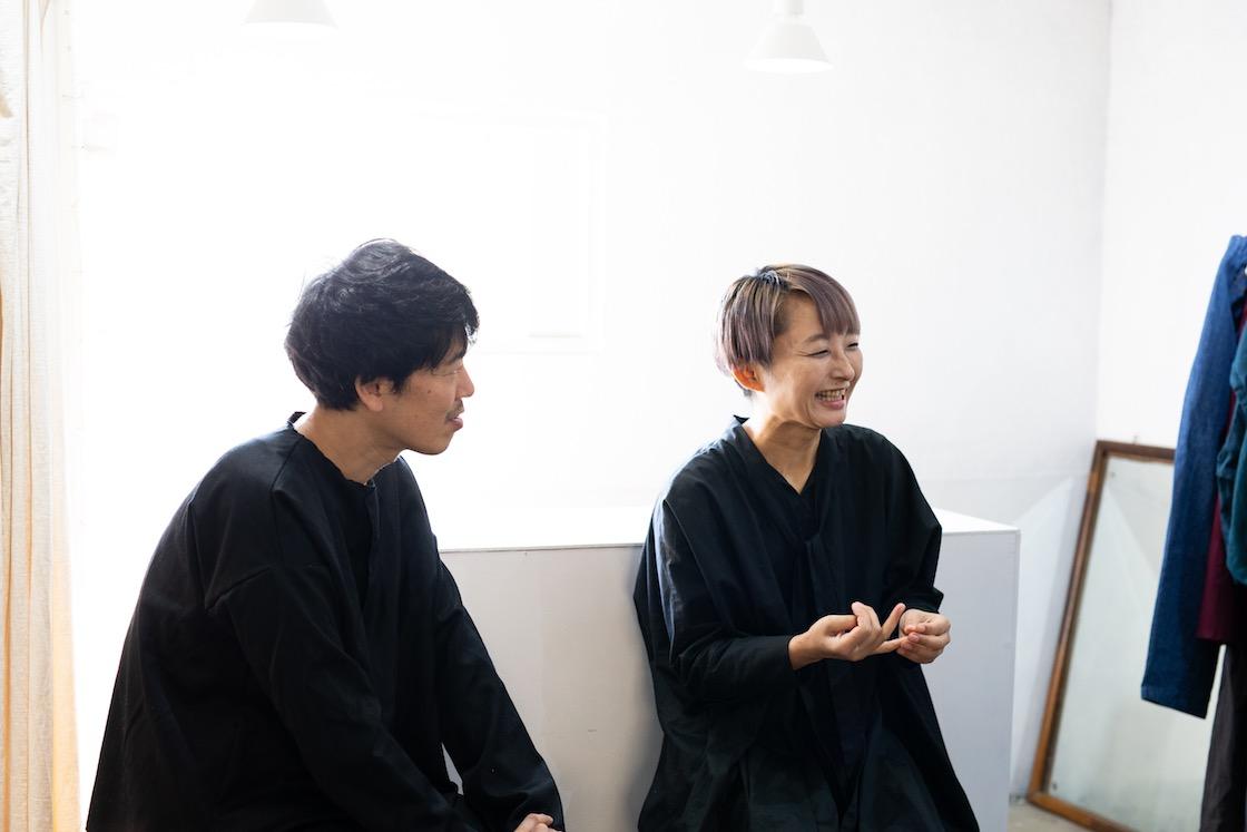 RIPPLE YōHINTEN(リップル洋品店)の岩野開人さん(左)と久美子さん(右)