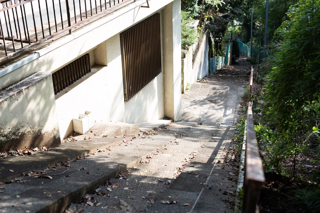 リップル洋品店横の階段