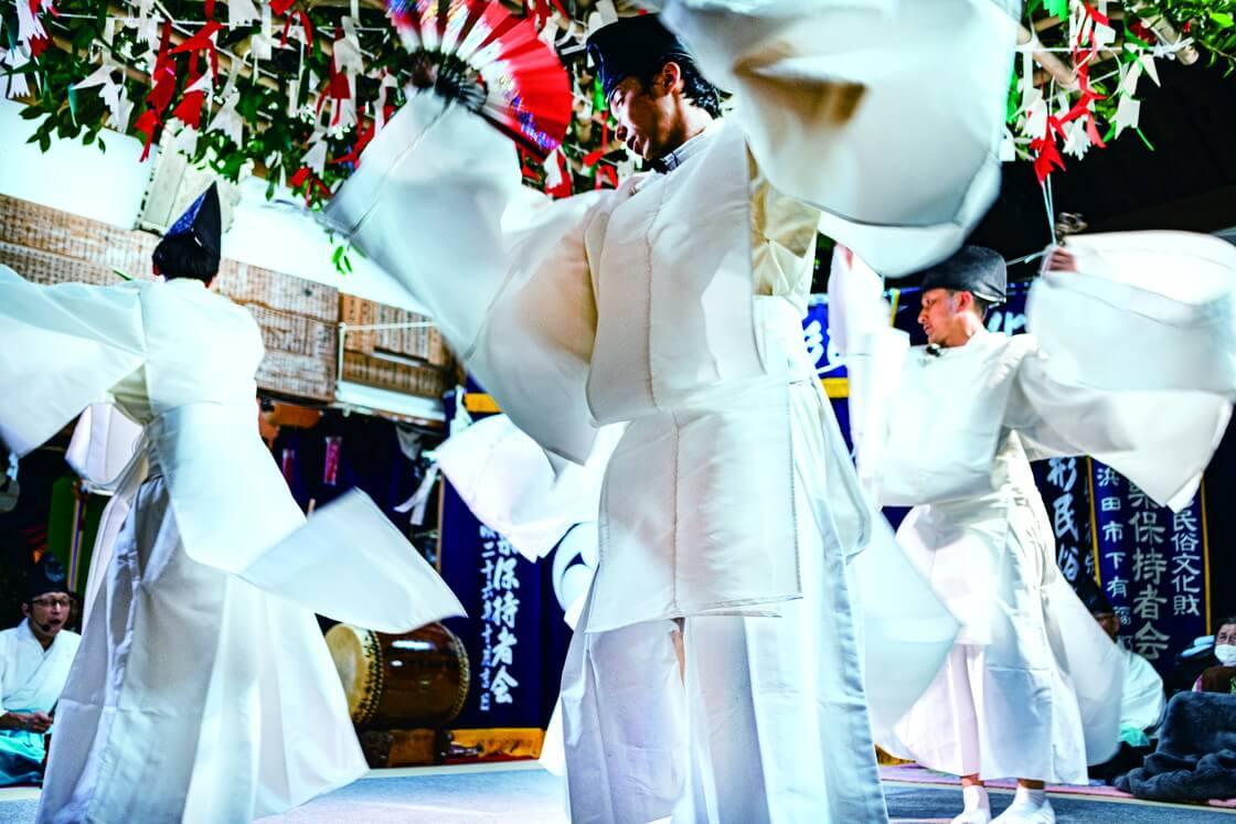 ポーラ伝統文化振興財団 40周年記念展「無形にふれる」
