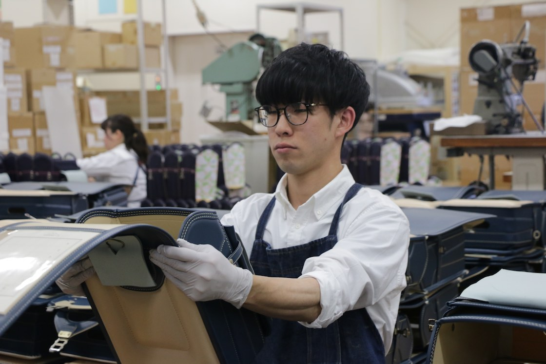 作業中の竹田さん