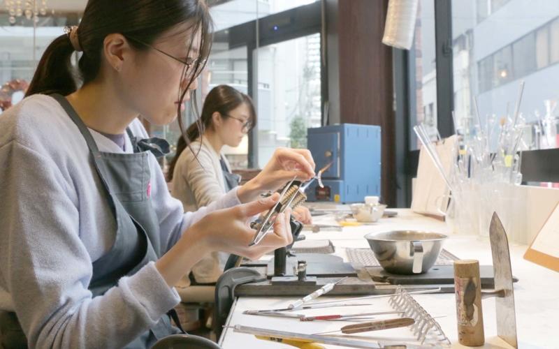 HARIO Lampwork Factory の若手職人