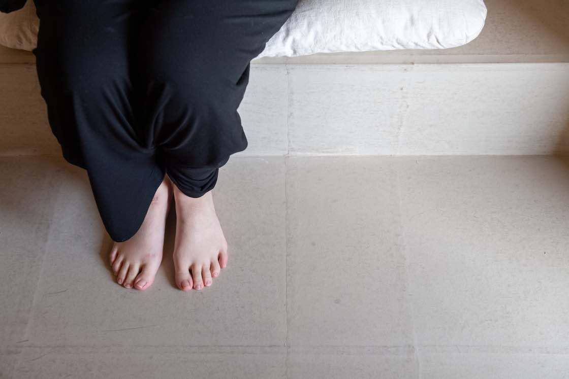 ベッドルームの床、壁、天井に使われているのは和紙で、ガラスコーティングを施している