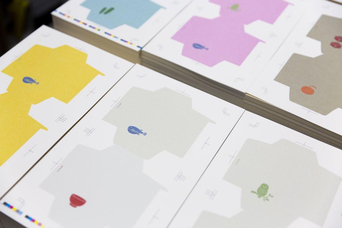 色ムラが少なくなるよう、印刷しやすい配色同士で版を作る工夫も