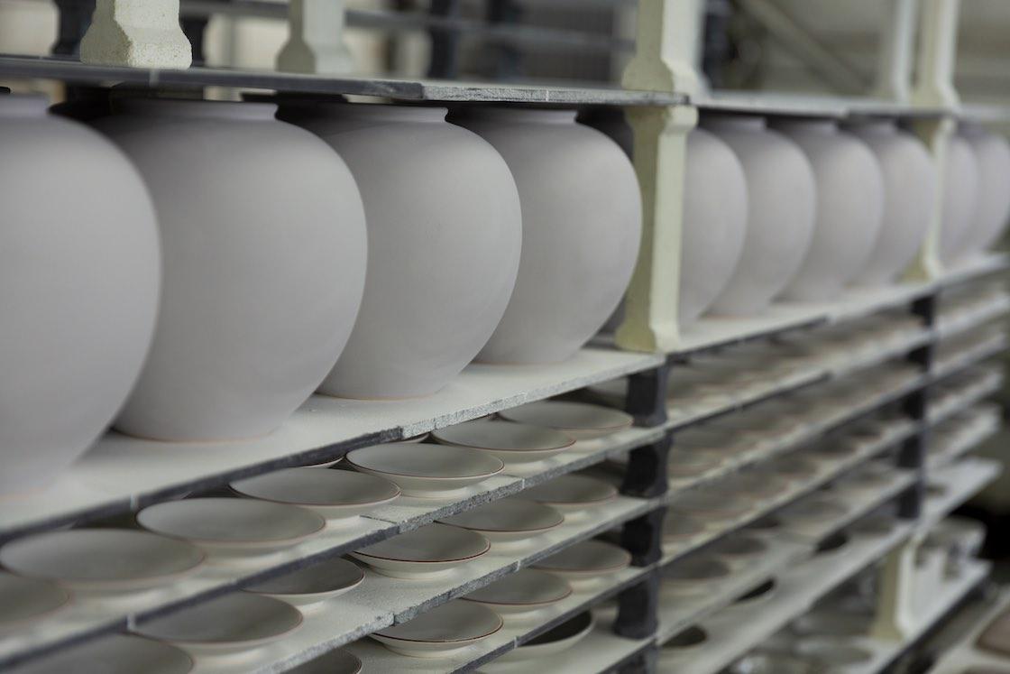 和洋問わず、幅広い種類の器を製造しています