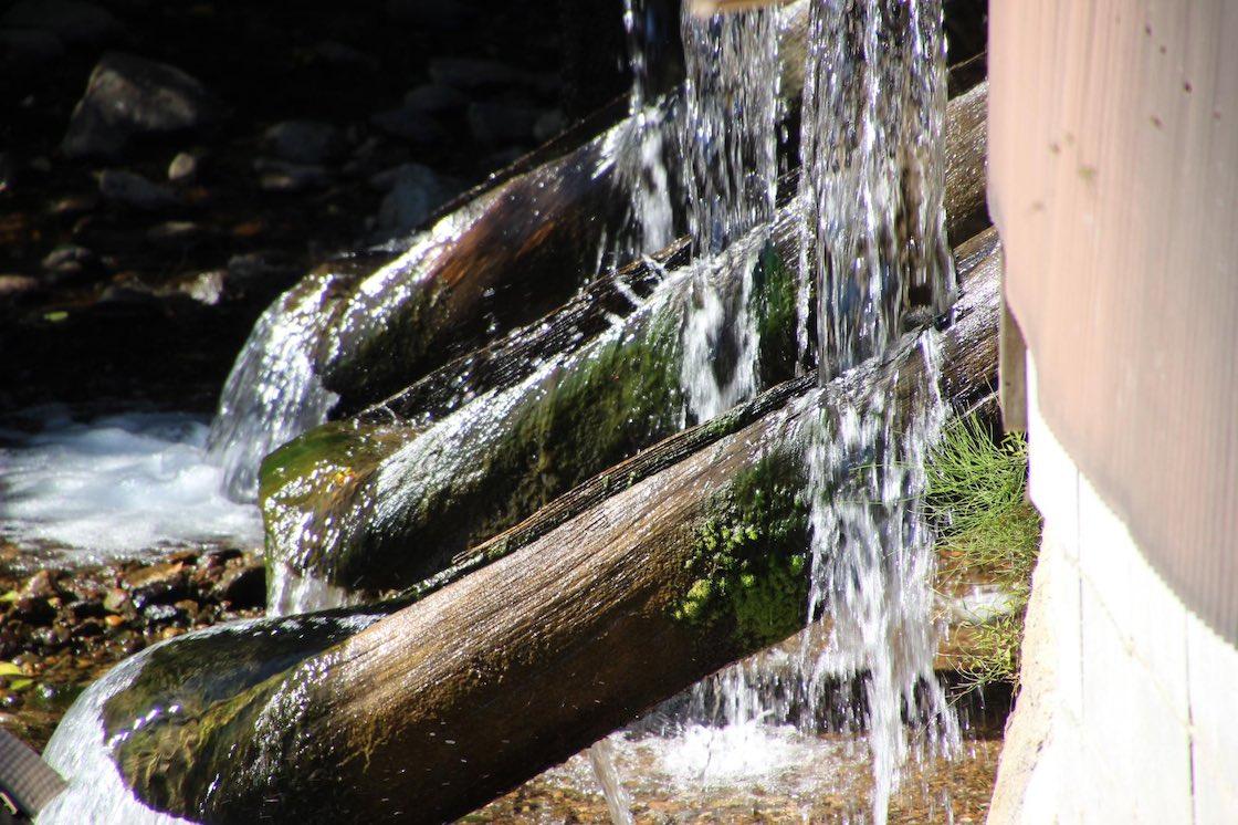 小鹿田焼の里に流れる川