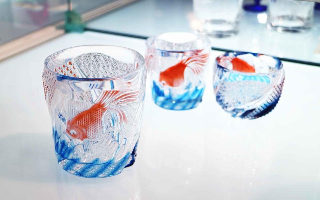 金魚が泳ぐ江戸切子