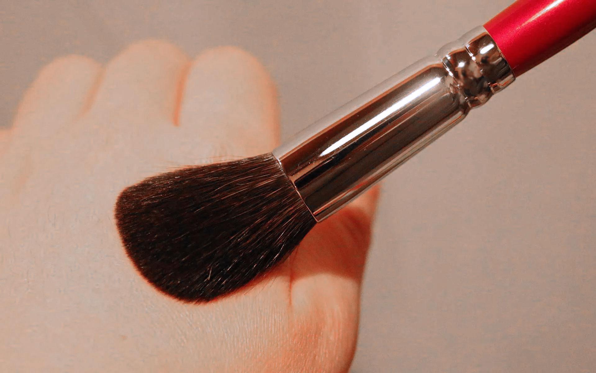 「熊野筆」の選び方をプロに習う。最初の1本にはチークブラシがおすすめ